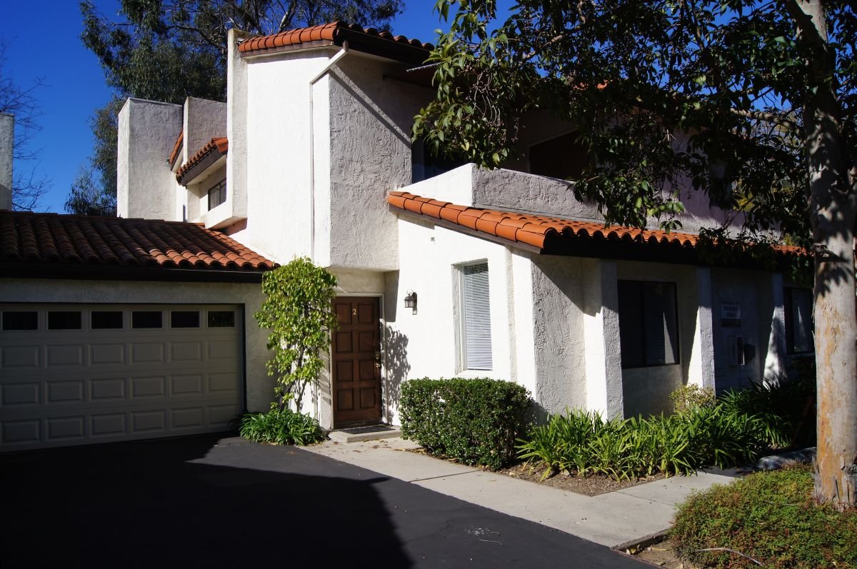 New listing wonderful downtown santa barbara town home for Tiny house santa barbara